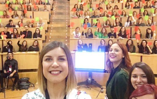 Nayara Malnero y María Esclapez Congreso Estudiantes Elche